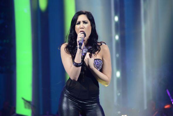 Geissie Torres fue la primera en cantar por su permanencia en el show.