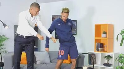 ¡Tiene más ritmo un aguacero! Neymar no aguantó la risa al ver bailar a Mbappé