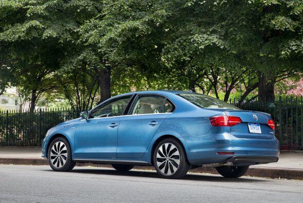 Volkswagen Jetta Hybrid SEL Premium 2015-Precio: $31,120; Consumo (ciuda...