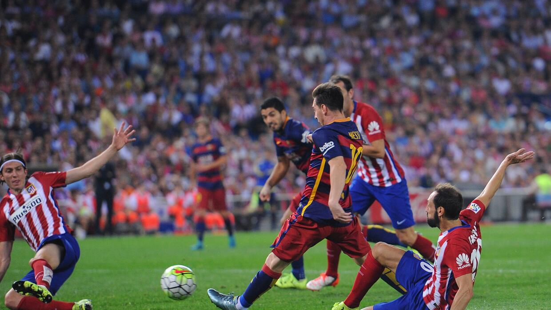 Messi engatilla para hacer el segundo del Barcelona.