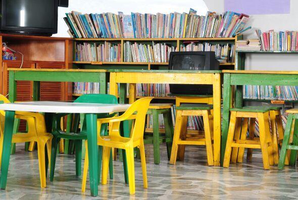 """AUMENTA LA BIBLIOTECA DEL SAL""""N - Ayuda a la biblioteca de aula a crecer..."""