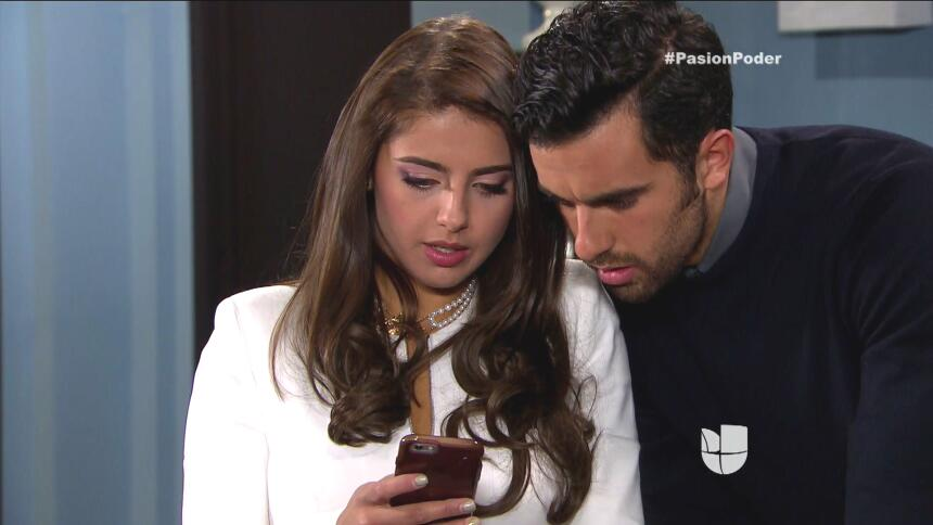 ¡Regina y David son la pareja escándalo! 935C1275E515473D889FC595B867BBC...