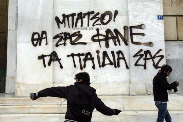 """""""Será la tumba de la sociedad griega"""", se podía leer en algunas pancartas."""