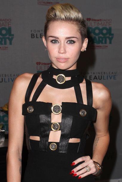 Otra de las chicas que seguramente no volverán al colegio es Miley Cyrus...