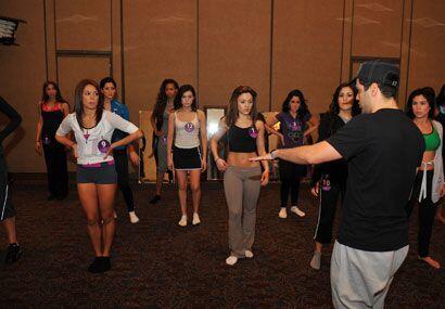 Aníbal Marrero es el encargado de poner a bailar a las chicas de...