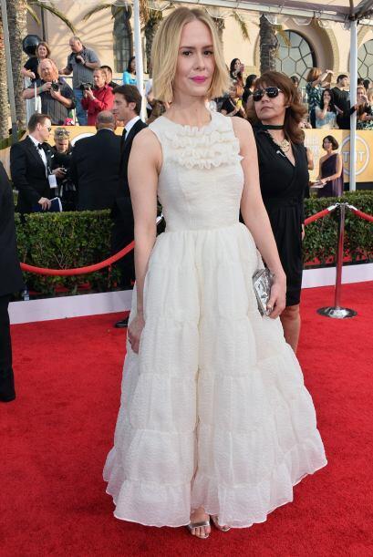Si estuviéramos en los 90's, el vestido de  Sarah Paulson sería un diseñ...