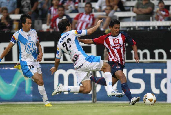 Las Chivas debutaron en el Apertura 2010 recibiendo al Puebla, en ese pa...