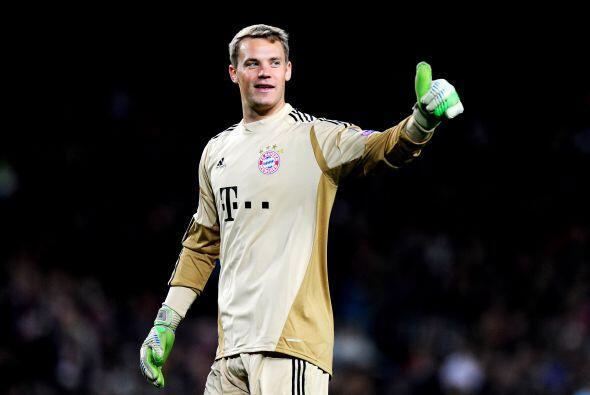 Empezamos con el dueño del arco, es alemán y juega para el Bayern Munich...