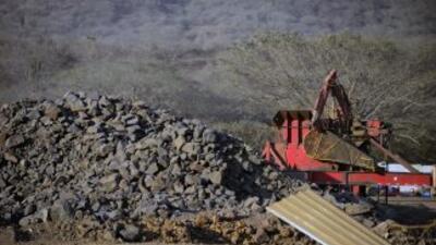 Autoridades mexicanas decomisaron mineral de hierro con valor por unos $...