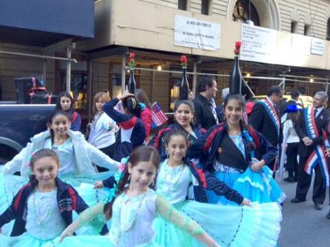 La comunidad hispana se congregó por la 5 avenida para festejar n...