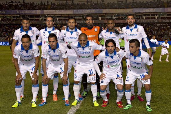 La Jornada 2 del Clausura 2014 comenzó con el duelo entre los Gallos Bla...