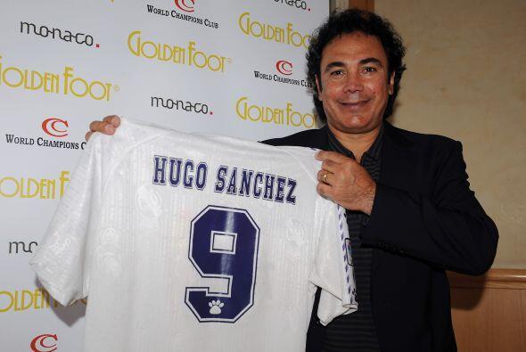 Hugo Sánchez, el histórico delantero mexicano fue el primer mexicano en...