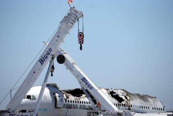 En el vuelo 214 de Asiana Airlines viajaban más de 300 personas e...