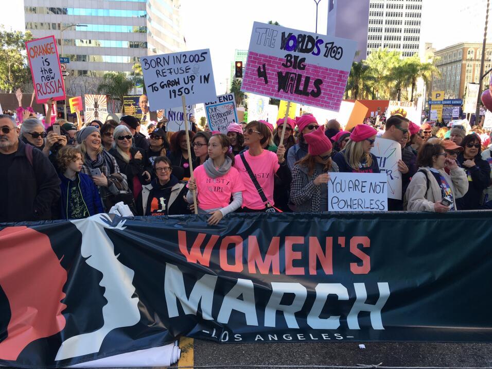 Así transcurrió la 'Marcha de las Mujeres' contra Trump en el centro de...