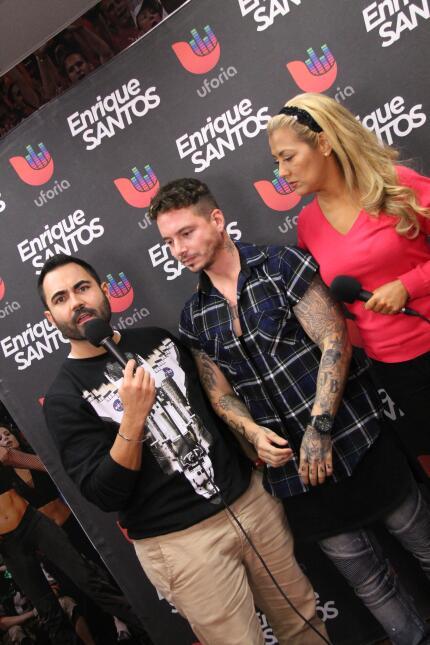 J Balvin nos enseña sus tatuajes IMG_5620.JPG