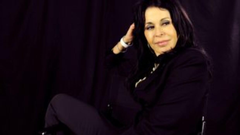 La cantante asegura que todo se trata de un distractor y que luchará por...