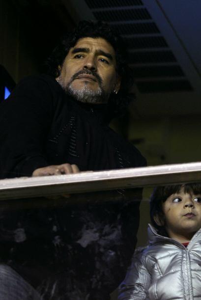 Diego Armando Maradona no podía faltar para despedir a su amigo.