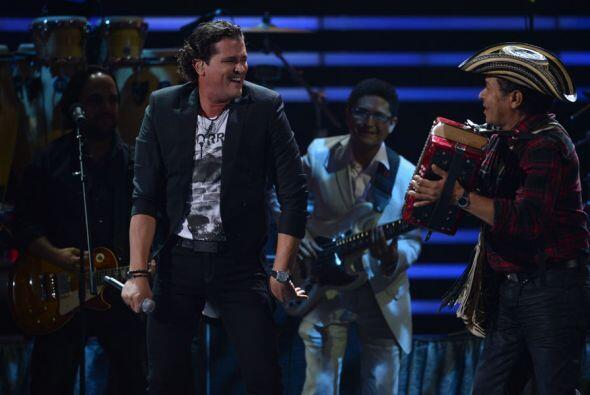 La noche anterior, Carlos dio un concierto privado de Univision al que a...