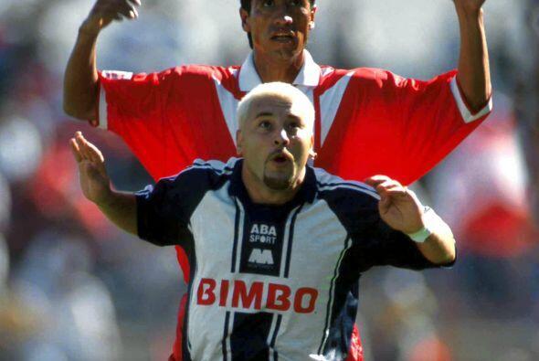 En el Invierno 1999 las Chivas se darían un festín en el estadio de Mont...