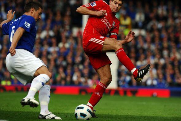 Los 'Reds' llegaron al 'derby de Merseyside' tras una semana llena de po...