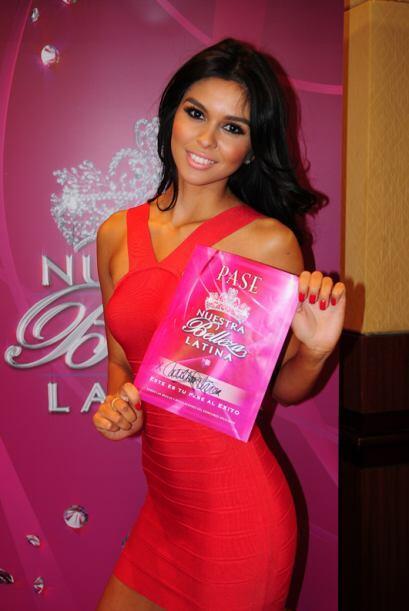 Carolina Urrea de México, audicionó en Los Ángeles. Ella es una de bella...