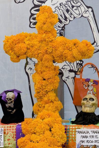 4. Como la celebración de muertos es una tradición eminentemente católic...