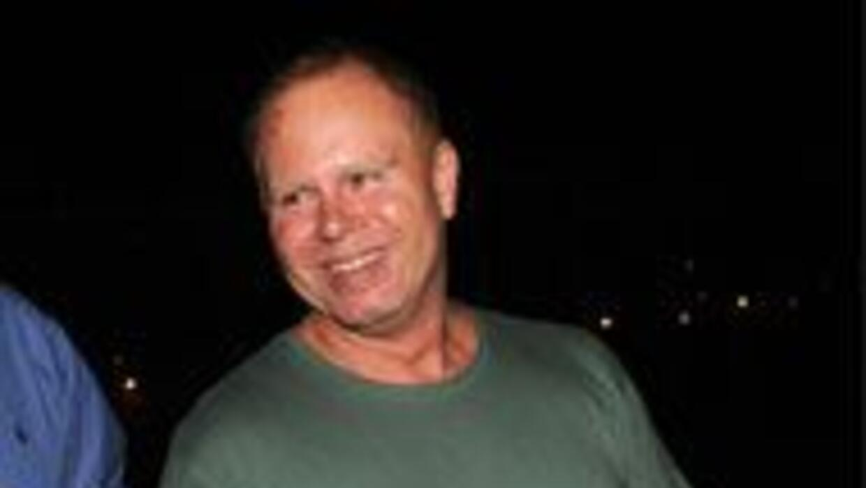 Tras pagar fianza Steven Slater, ex asistente de JetBlue fue dejado en l...