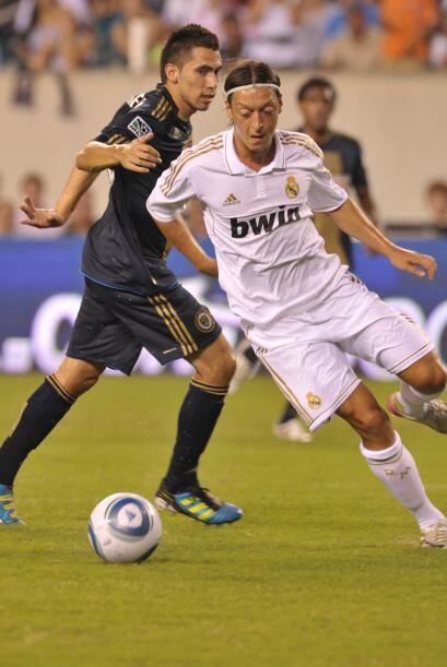 Mesut Özil fue el encargado de hacer el segundo gol de los españoles ant...