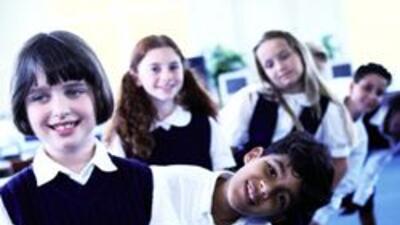Concejo recomendo uniformes para todas las escuelas de Los Angeles aaa2c...