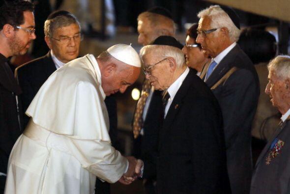 """Y pidió a Dios que no se repita """"una monstruosidad"""" como el Holocausto."""