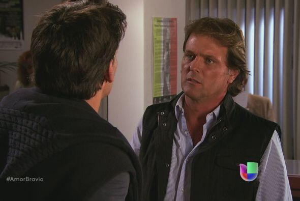 Daniel le dice a Mariano que debe convencer a Camila de no abandonar La...