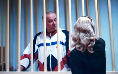 Sergei Skripal detrás de las rejas en Moscú, Rusia, el 9 d...