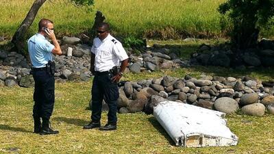 Primer ministro de Malasia confirma los restos del avión encontrados per...