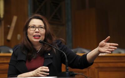 La senadora Tammy Duckworth dio a luz recientemente y el cambio de norma...
