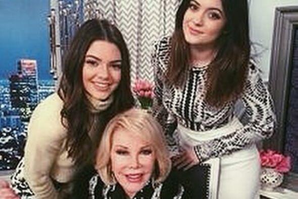 Kylie Jenner recuerda a Joan y lamenta su pérdida con una foto juntas.