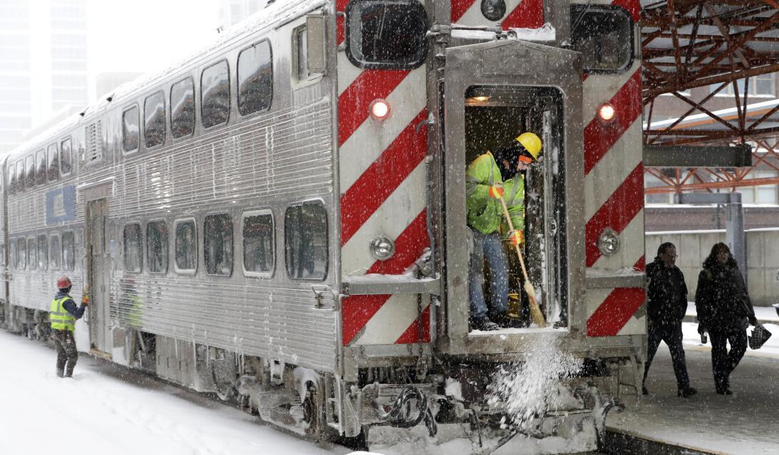 Así luce Chicago tras la primera tormenta invernal de la temporada.