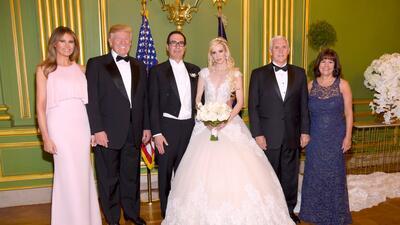 En fotos: Donald y Melania Trump entre los 300 invitados de la boda del secretario del Tesoro