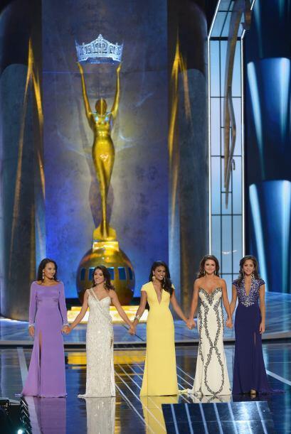 Miss California Crystal Lee, Miss Florida Myrrhanda Jones, Miss New York...
