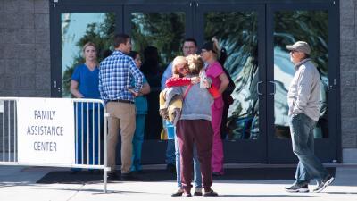 Centro de asistencia a las familias de las víctimas del tiroteo en Las V...