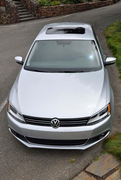 El frente del nuevo VW 2011 marca el nuevo estilo agresivo de todos los...