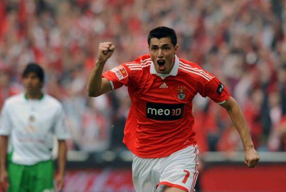 El campeón de goleo de la competencia, el paraguayo Oscar Cardozo, marcó...