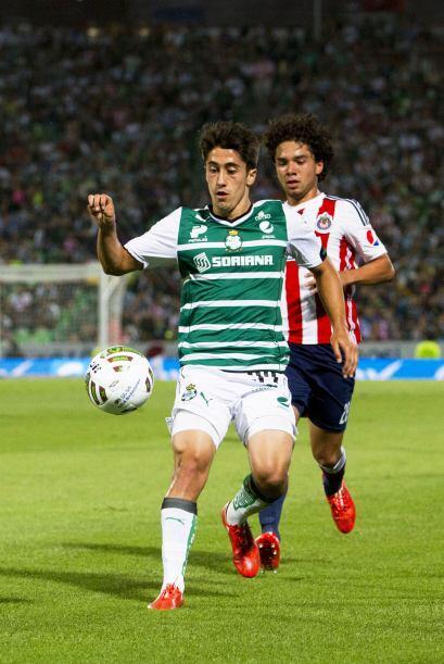 Con tan solo 21 años José Abella se adueñó de la banda derecha y con su...