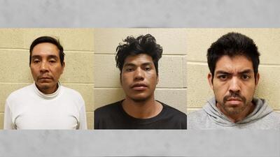 Cirilo Flores (izq), Gerson Sánchez (centro) y Mauricio Lemus fue...