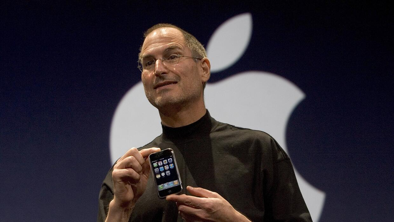 En 2007, Jobs sorprendió al mundo con un producto que se convirtió en el...