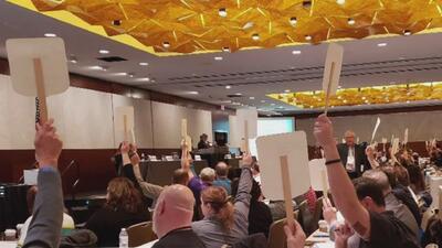 Rechazan propuesta de armar a los maestros en las escuelas de Illinois