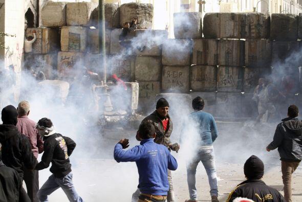 El Ministerio explicó que algunos manifestantes tiraron cócteles molotov...