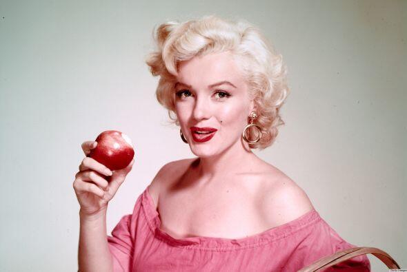 26- Marilyn Monroe.  Su muerte por sobredosis de barbitúricos fue califi...