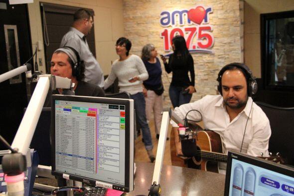 Carlos Vives visitó el desayuno musical y con su carisma único nos puso...