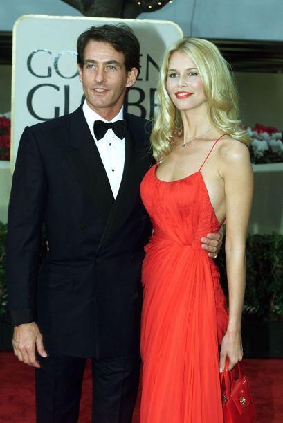 La modelo Claudia Schiffer cautivó a todos con vestido rojo, que...