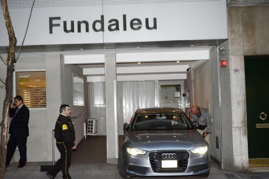 La escolta de la reina Máxima de Holanda se mantuvo activa en la clínica...
